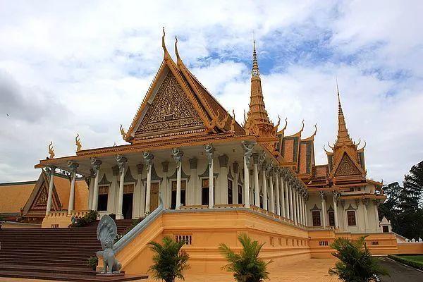行走的力量——走出去,感悟不一样的社区经营之道! 彩生活大学柬埔寨游学班